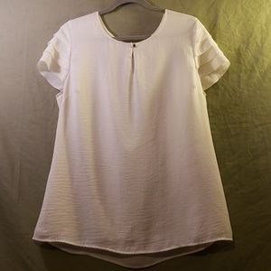Banana Republic Cream Blouse w/ Key hole in front